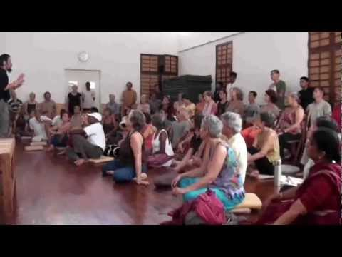 Paida and Lajin in  the yoga room of India (1).mp4