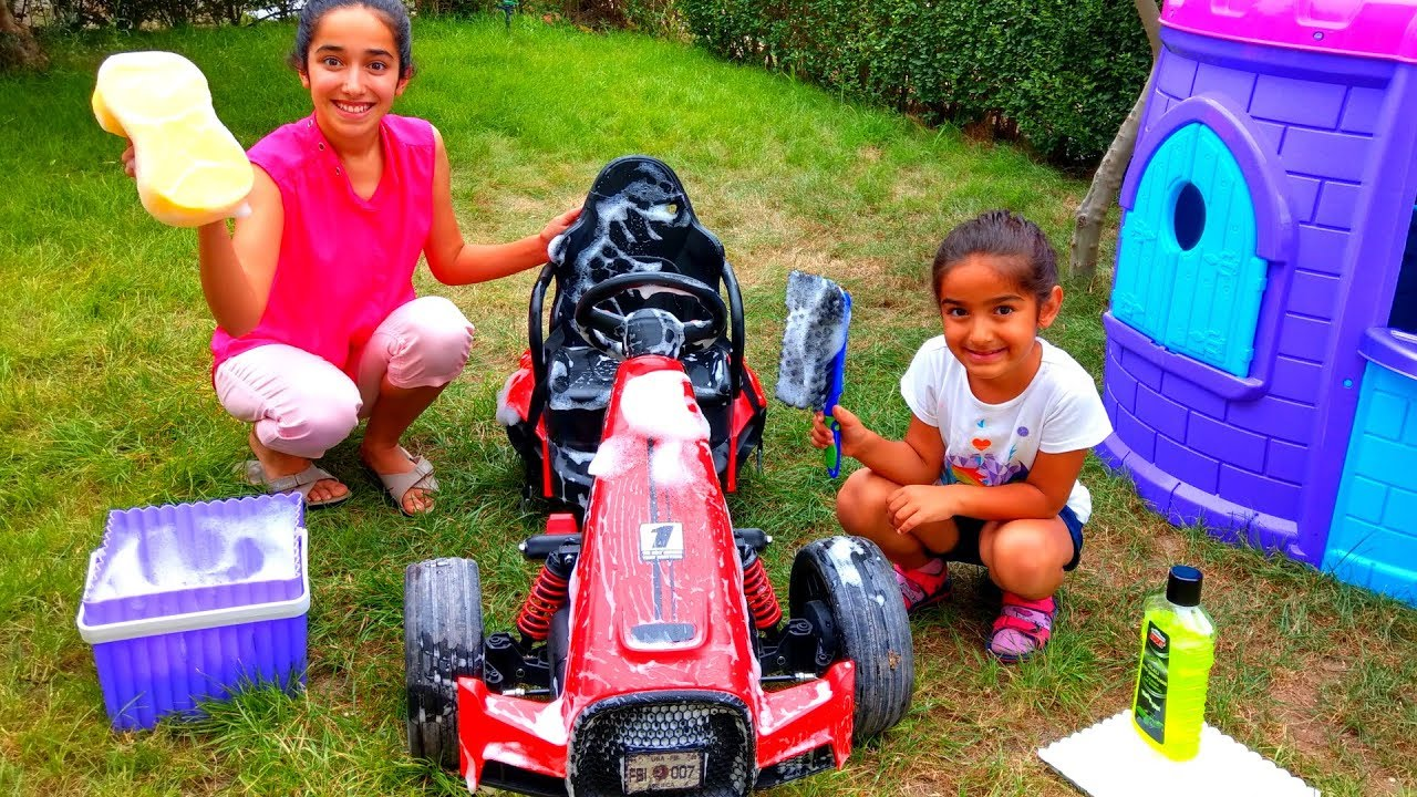 Esma and Asya Pretend play with Toy car Washing for kids video