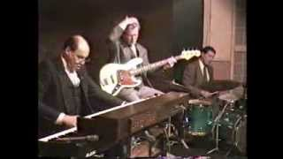 BEEs BOSA (original by Barry Tee)  /  Blues For J (written by Jimmy Smith)