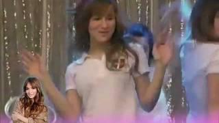 Brenda Asnicar. (Antonella y las divinas ensayando Quiero) Patito Feo.