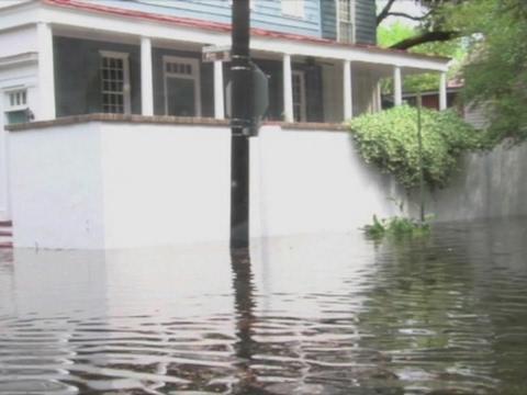 Raw: Heavy Rain Floods Charleston, SC Streets