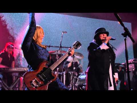 """Heart – """"Barracuda"""" Live 2013 Rock Hall of Fame Induction Concert HD"""