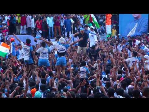 Jitendra Awhad and MNS leader Avinash Jadhav  Dancing Together in MNS Dahi Handi in Thane 2018....