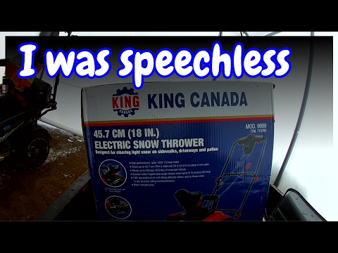 King Canada 45.7 cm (18 in) Electric Snow Thrower (unboxing)
