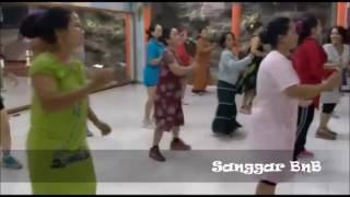 Download Video Goyang Hari Ibu Pake Daster ASYIKK...!! MP3 3GP MP4