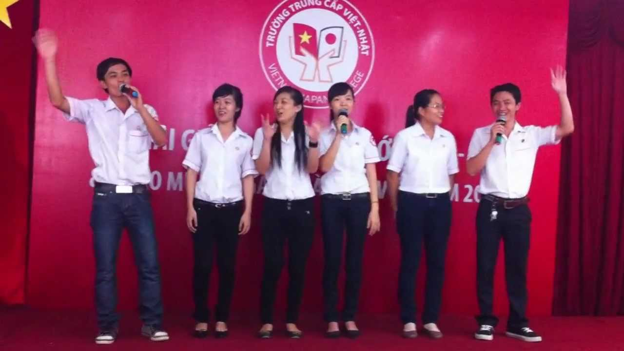 2012.11.17 ベトナム越日専門学校入学式「上を向いて歩こう」
