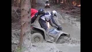 stvorkolka suzuki kinqguad v blate / quad kingquad in mud