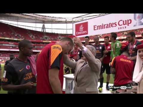 Emirates Cup Ceremony Winner Galataray (Emirates Kupası Seremonisi Şampiyonu Galatasaray )