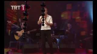 Levent YÜKSEL - Topyekün (Canlı) - TRT1 - Dillerden Düşmeyen Şarkılar - 2013 Yılbaşı