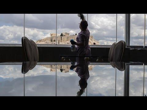 شاهد: سينما في الهواء الطلق بعد شهرين ونصف من الحجر الصحي في اليونان…  - نشر قبل 7 ساعة