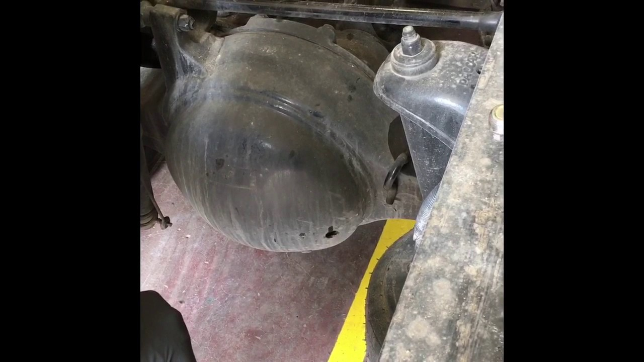Checking Differential Fluid and Transmission Oil in a Kenworth