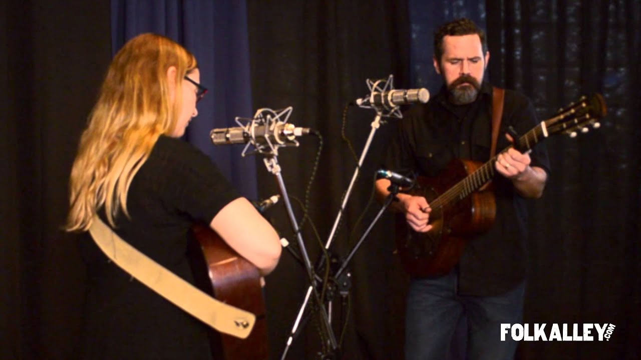 Folk Alley Sessions: Pharis & Jason Romero - I Want To Be Lucky