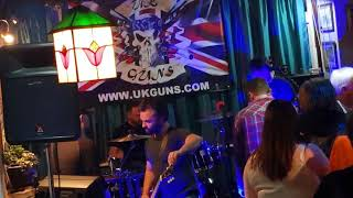 UK GUNS - GUNS N ROSES TRIBUTE  - LIVE AT THE NIGHTINGALE 12-01-2018