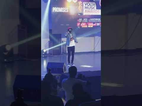 Keeny Ice Performs at the Volta Music Awards