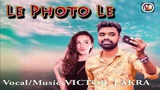 Le Photo Le by Victor Lakra