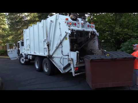 1994 Crane Carrier Dempster Route King II