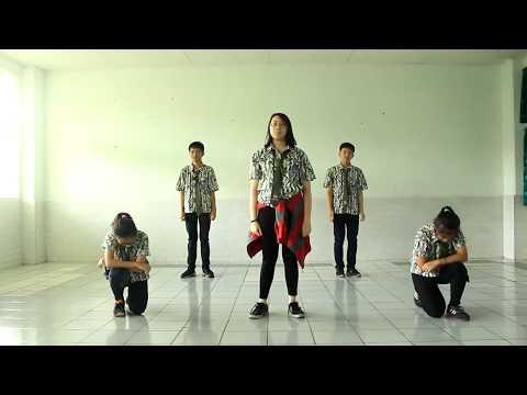 Traditional and Modern Dance by SMA K RICCI II