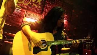 Cơn mưa tháng 5 - Guitar Trần Tuấn Hùng Minishow Bức Tường Tuổi 20