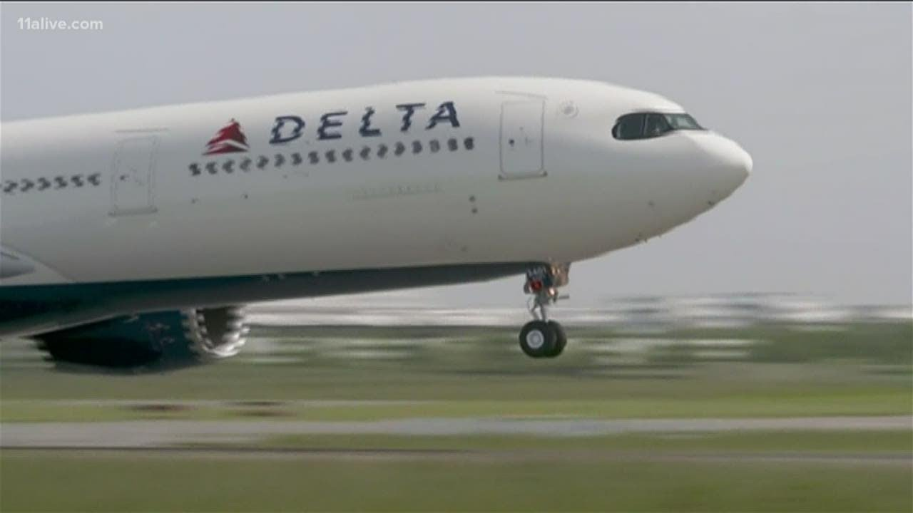 Thanksgiving travel | Delta Air Lines cancels about 300 flights