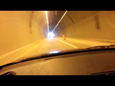 R32 Skyline GTR through a Wyoming tunnel!