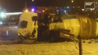 Бетономешалка опрокинулась на «Жигули» на юге Москвы