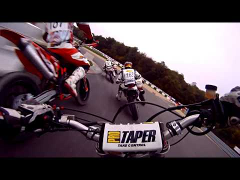 A Mind-freaking Example Of Supermoto Racing - METTET SUPERBIKER