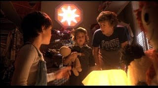 ET The Extra Terrestrial 1982 Movie -  Henry Thomas & Drew Barrymore