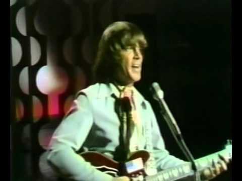 Joe South & Johnny Cash  -  Don't It Make You Want To Go Home LIVE