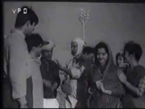 BASTI BASTI PARBAT PARBAT -COMPLETE SONG -SAHIR -MADAN MOHAN-RAILWAY PLATFORM (1955)