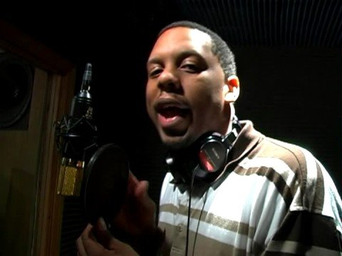 Rap Song Recording Tips : Recording a Rap Song: Distance From Microphone