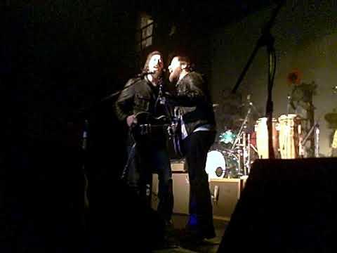 Dan Auerbach- Trouble Weighs a Ton @ The Majestic (Detroit 11-6--09)