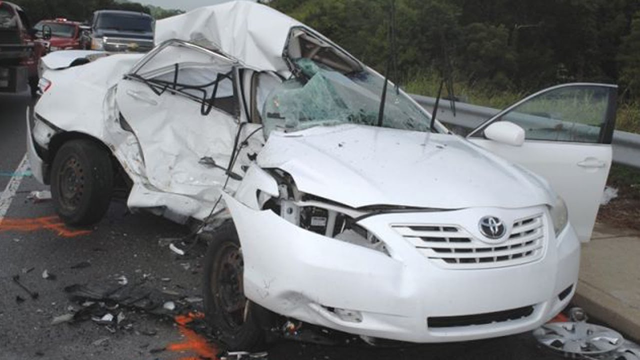 Latest Car Accident Of Toyota Camry Road Crash Compilation