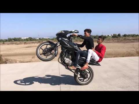 Pulsar RS 200 and 220 stunts and 200NS and 220 Drag races