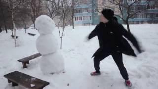 Как отпиздить снеговика...