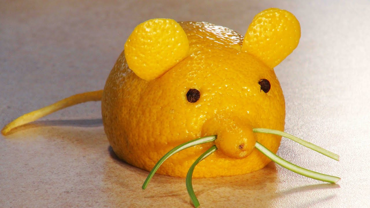 Simple fruit carving for kids a lemon mouse