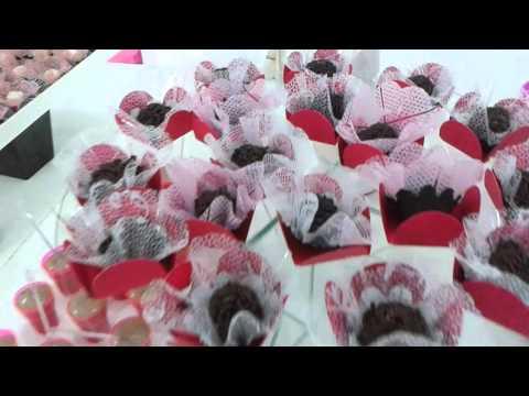 Mesa provençal pink e preta/ Buffet Lelfestas