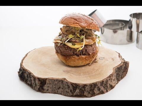 Gourmet Burger του Δημήτρη Σκαρμούτσου!