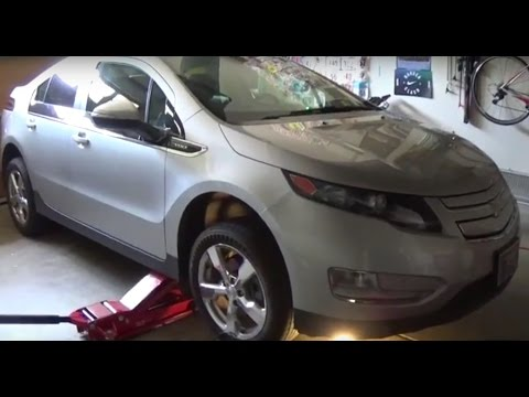 How to Change the Oil On a Chevy Volt