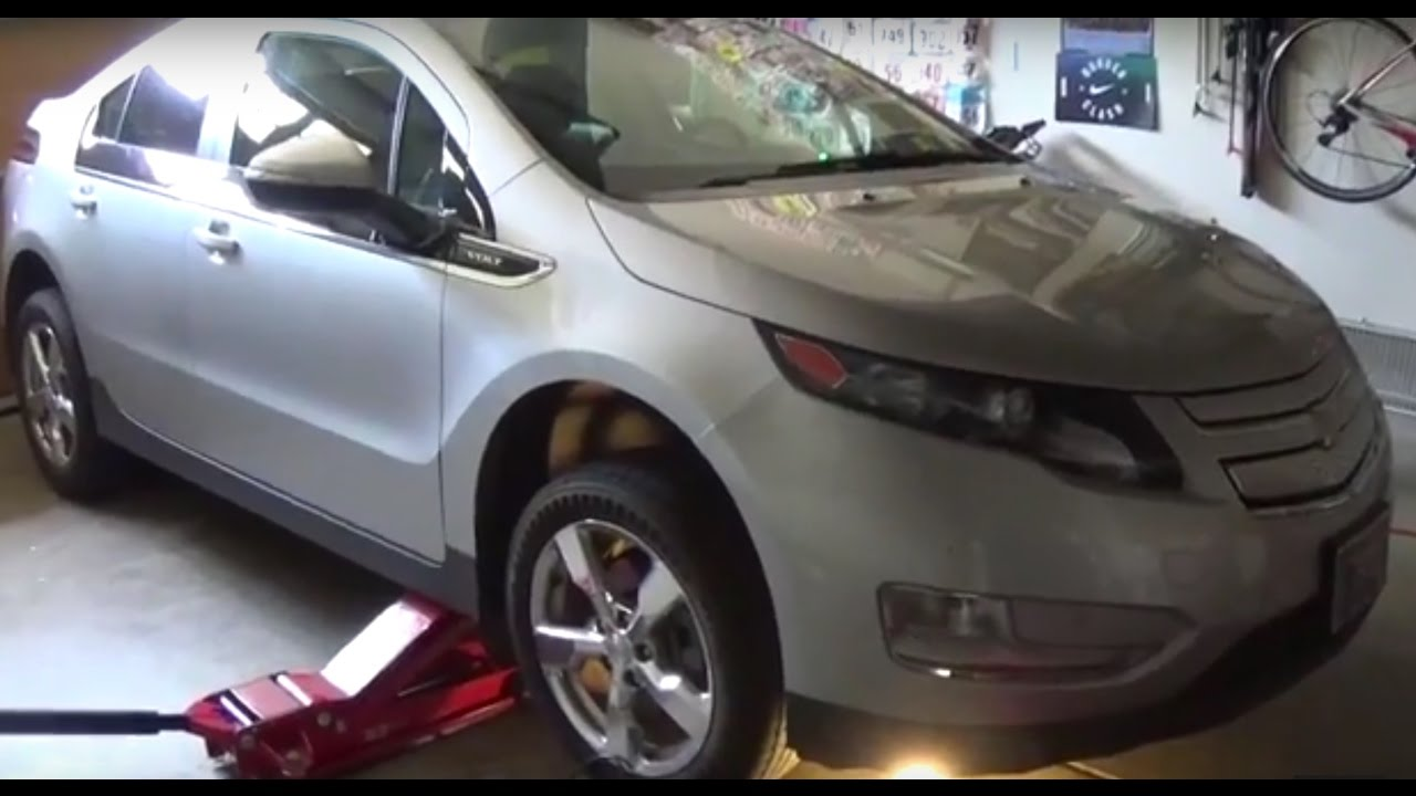 how to change the oil on a chevy volt youtube. Black Bedroom Furniture Sets. Home Design Ideas