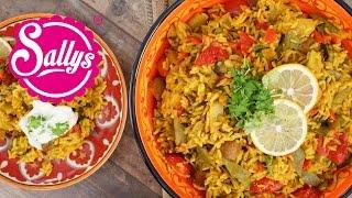 Gemüse-Reispfanne mit Joghurtsoße / vegetarisch