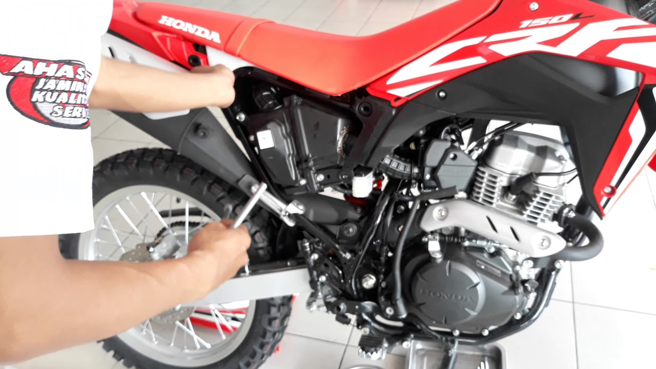 Review Singkat Honda CRF150L Cara Buka Sadel Jog Dll YouTube