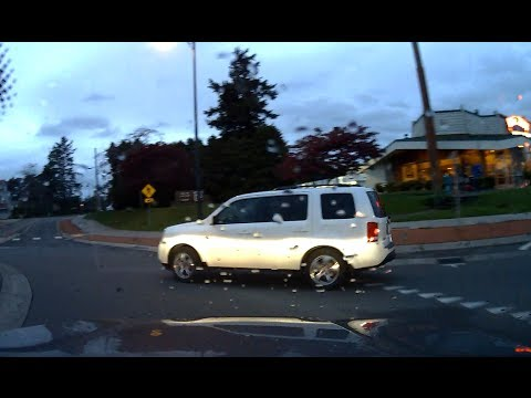 What is a Roundabout - Blaine, WA