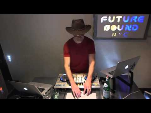 Futurebound NYC: Deephouse, Techno and Techhouse DJ Mix by Peter Munch - Nov 23rd 2012 (1/2)