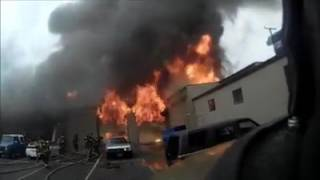 Two-alarm fire at an auto shop in Downtown Sacramento | firefighting