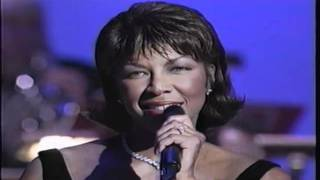 Watch Natalie Cole A Song For Christmas video