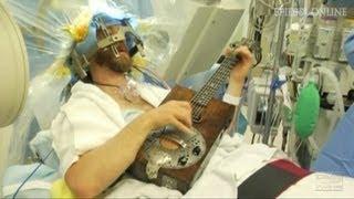 Gitarrensolo bei Hirn-OP: Mit Musik geht alles besser