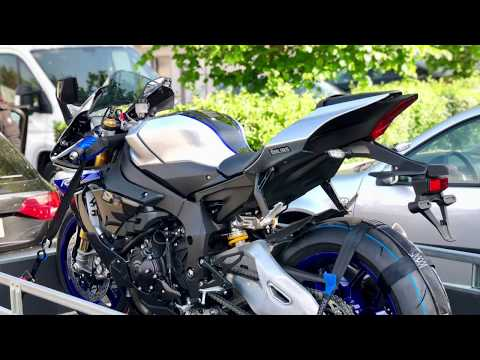 download Yamaha R1M 2018 Unboxing
