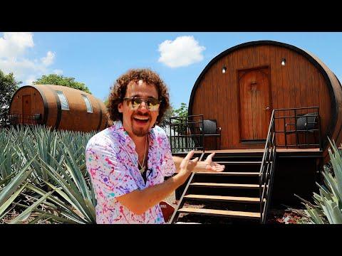¿Cómo es dormir en un hotel de BARRILES de TEQUILA? | Hotel Barrica