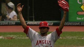 Santana no-hits the Cleveland Indians