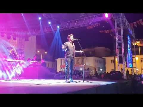 Mustafa Ceceli-Simsiyah Yozgat konseri canlı performans